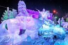 Những tác phẩm điêu khắc khổng lồ trên tuyết ở Pháp