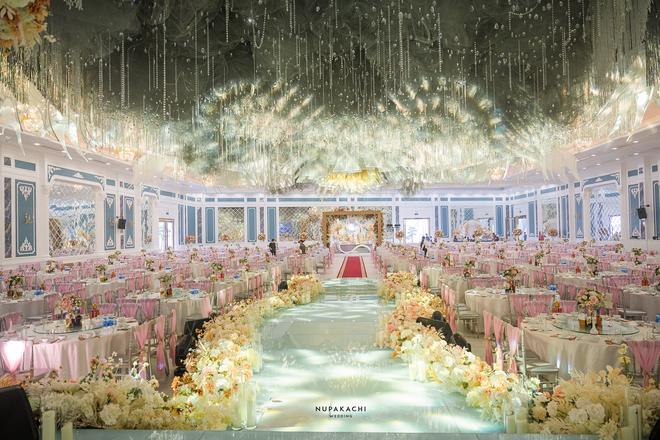 Đám cưới cổ tích ở Bắc Ninh: Riêng tiền thiết kế 30 tỷ, 300 xế xịn đỗ kín đường-11