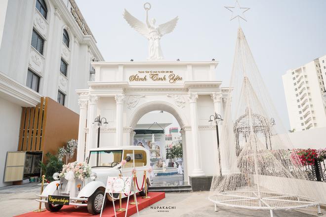 Đám cưới cổ tích ở Bắc Ninh: Riêng tiền thiết kế 30 tỷ, 300 xế xịn đỗ kín đường-2