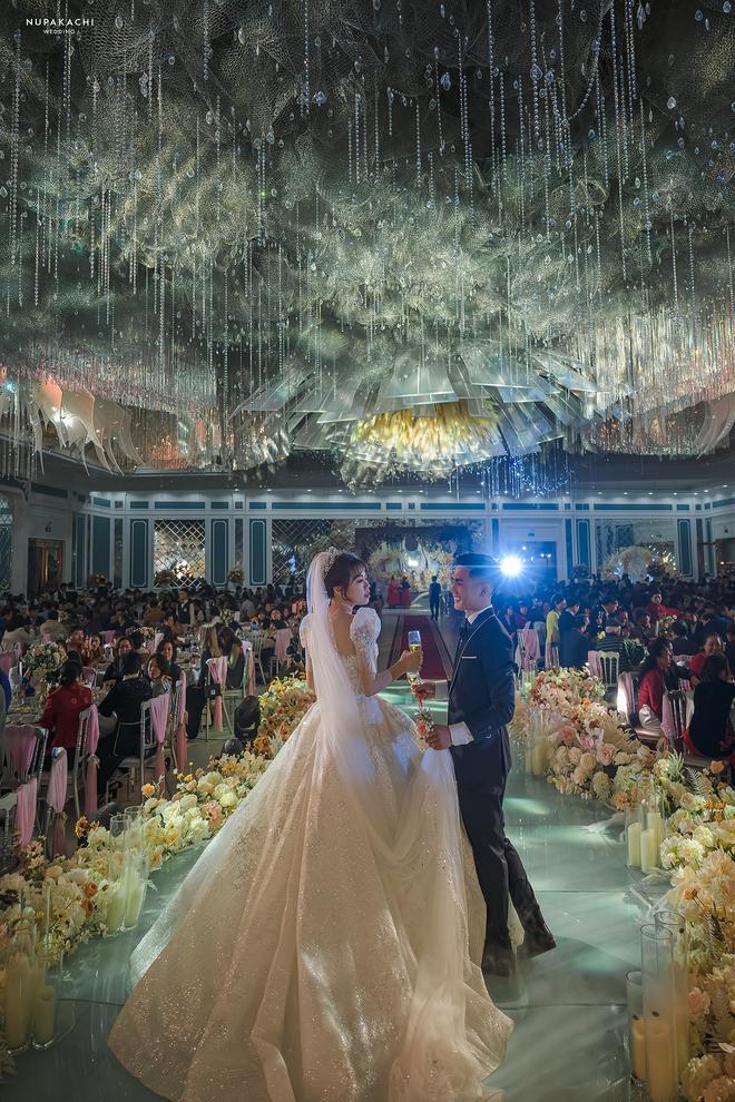 Đám cưới cổ tích ở Bắc Ninh: Riêng tiền thiết kế 30 tỷ, 300 xế xịn đỗ kín đường-6
