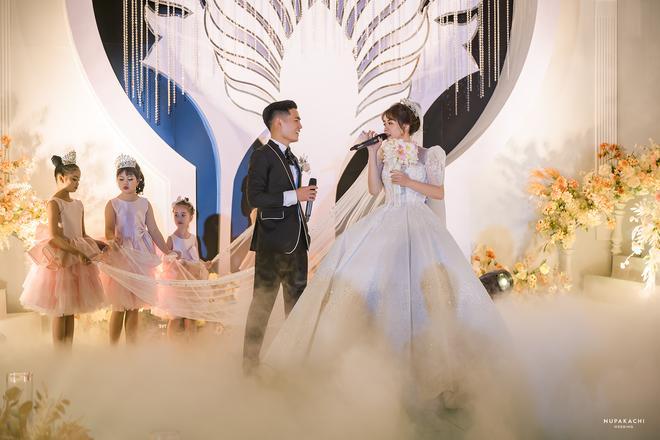 Đám cưới cổ tích ở Bắc Ninh: Riêng tiền thiết kế 30 tỷ, 300 xế xịn đỗ kín đường-14
