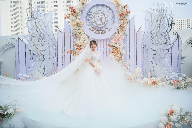 Đám cưới cổ tích ở Bắc Ninh: Riêng tiền thiết kế 30 tỷ, 300 xế xịn đỗ kín đường-15
