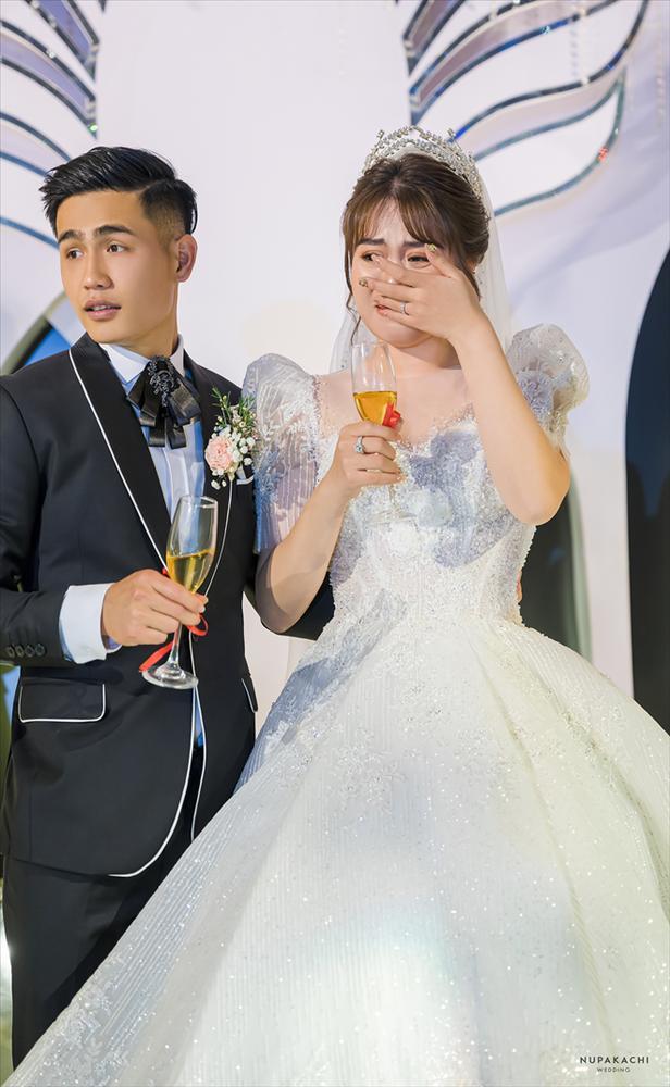 Đám cưới cổ tích ở Bắc Ninh: Riêng tiền thiết kế 30 tỷ, 300 xế xịn đỗ kín đường-16
