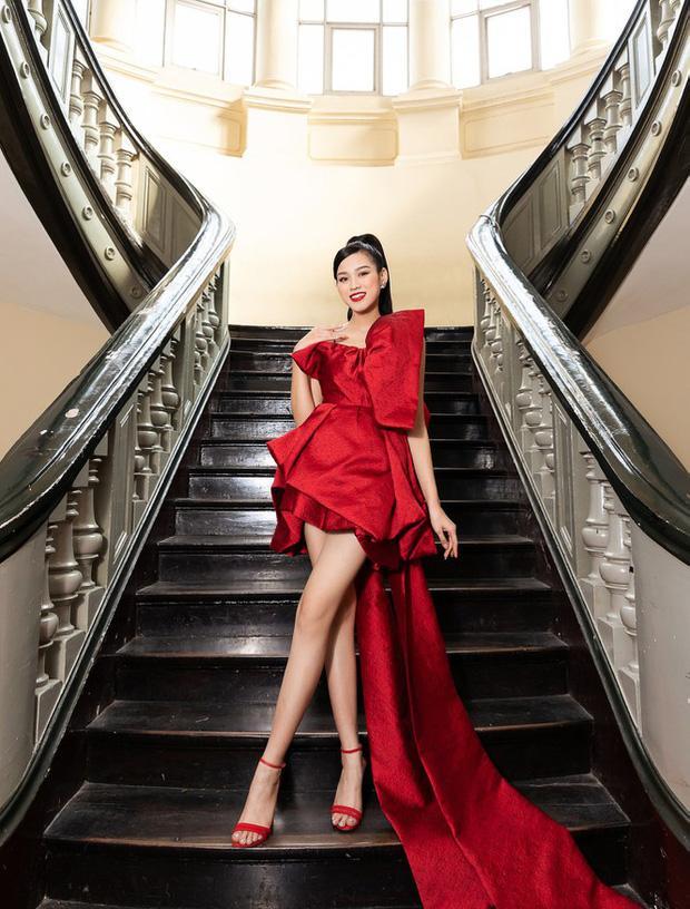Hoa hậu Đỗ Thị Hà tự đăng thì chân dài đạt tỉ lệ 1/5 khó tin, qua camera thường thì sao?-1