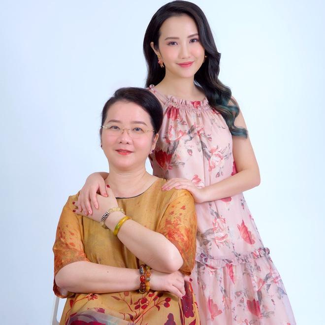 Mẹ vợ lỡ miệng lộ ngày cưới Phan Thành, tiết lộ luôn quan hệ với con rể thiếu gia-2