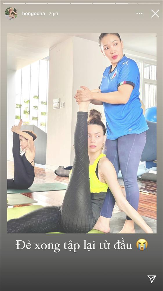 Hà Hồ giữ dáng nuột, eo phẳng sau sinh nhờ kiên trì với yoga-3
