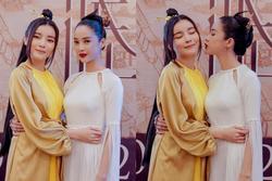 'Hoạn thư' Cao Thái Hà ôm hôn thắm thiết 'Kiều' Trình Mỹ Duyên