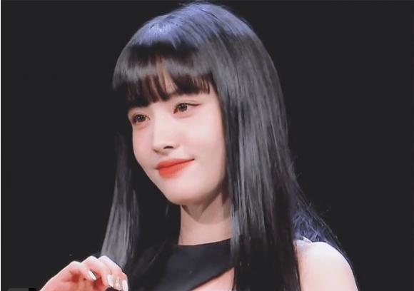 Ảnh thẻ của tân binh để tóc mái đẹp nhất Kpop chỉ sau Lisa (BLACKPINK)-3