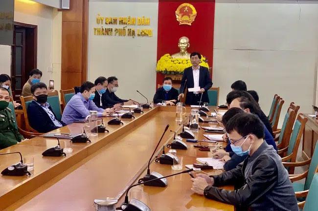 Nhân viên an ninh sân bay Vân Đồn nhiễm Covid-19, học sinh TP Hạ Long nghỉ học-1