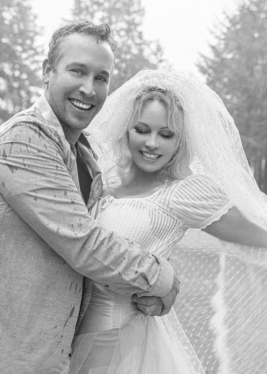 Bom sex Pamela Anderson kết hôn lần năm-1