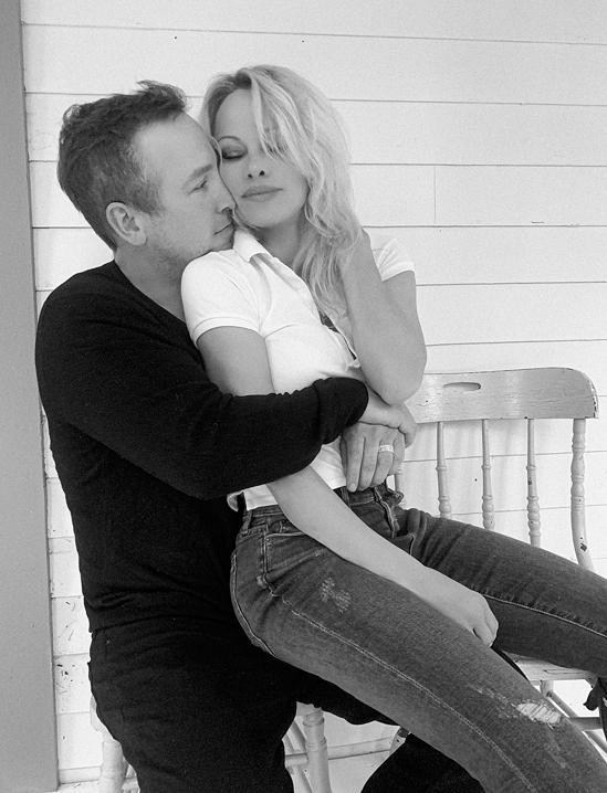 Bom sex Pamela Anderson kết hôn lần năm-4