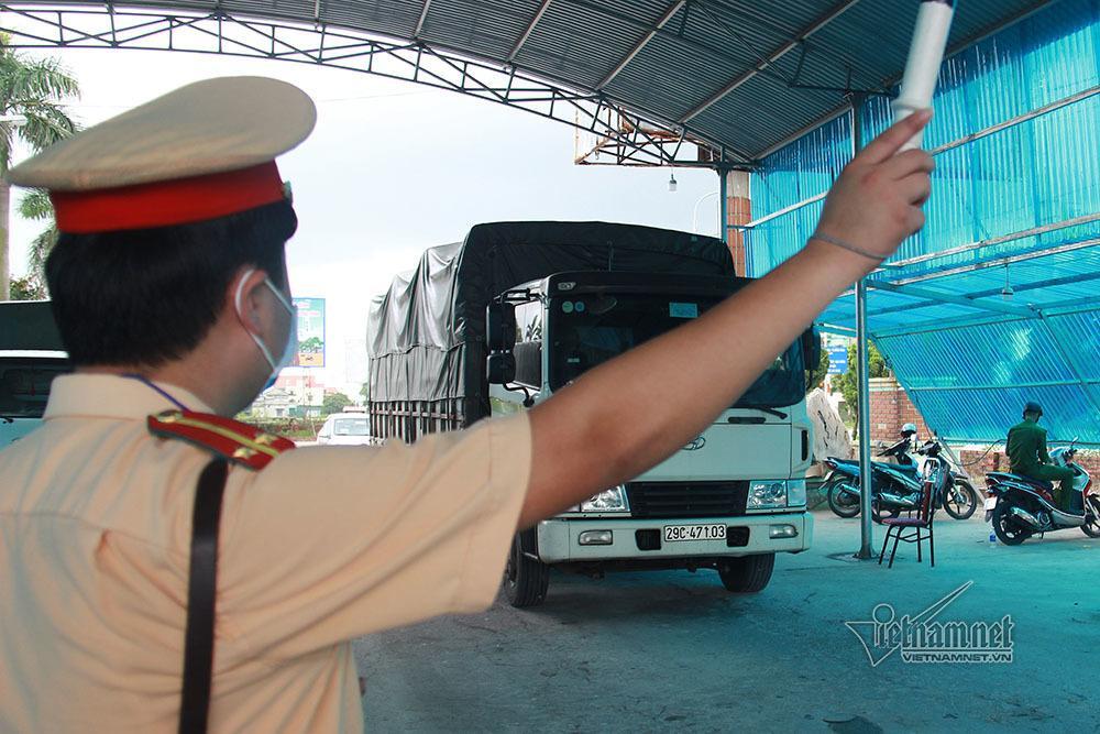 Quảng Ninh tạm dừng toàn bộ hoạt động vận tải để phòng chống Covid-19-2