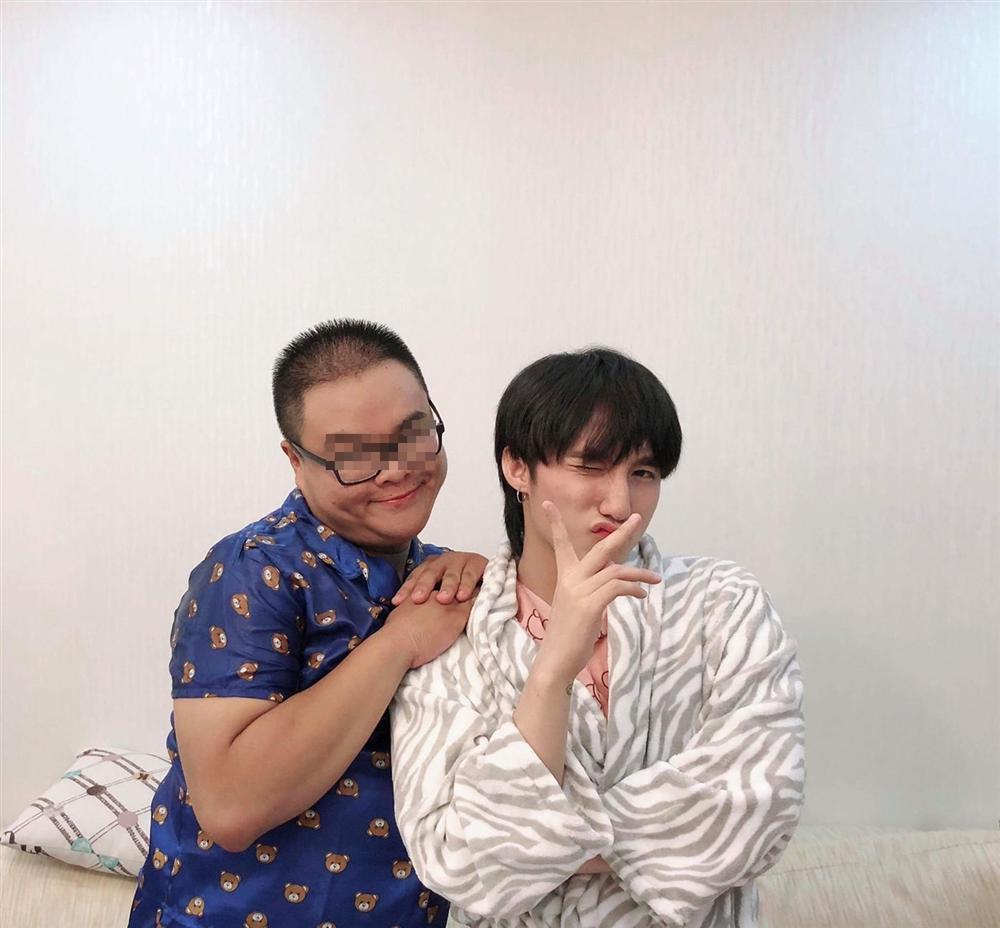 Trợ lý cũ Sơn Tùng có tin nhắn drama tình ái, tung ra là nam ca sĩ toang?-1