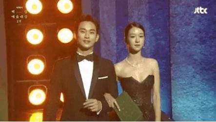 Đụng hàng bộ đầm hơn 130 triệu với ngọc nữ Cbiz, Seo Ye Ji không ngại xén luôn một chi tiết-3