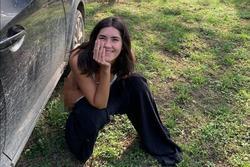Hoa hậu Hoàn vũ Paulina đăng ảnh cởi quần ngồi vệ sinh phản cảm