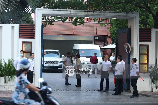 Phan Thành dùng siêu xe 34 tỷ trong lễ rước dâu sáng nay-1
