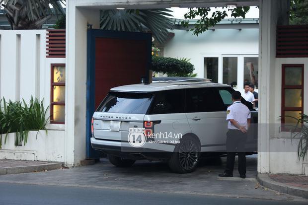 Phan Thành dùng siêu xe 34 tỷ trong lễ rước dâu sáng nay-2