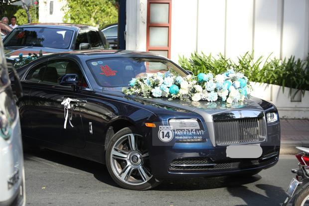 Phan Thành dùng siêu xe 34 tỷ trong lễ rước dâu sáng nay-9