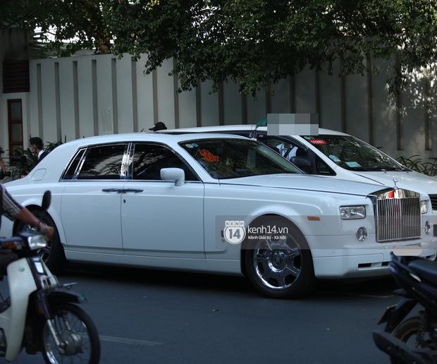 Phan Thành dùng siêu xe 34 tỷ trong lễ rước dâu sáng nay-6