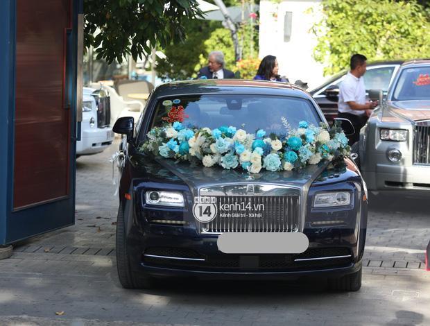Phan Thành dùng siêu xe 34 tỷ trong lễ rước dâu sáng nay-8