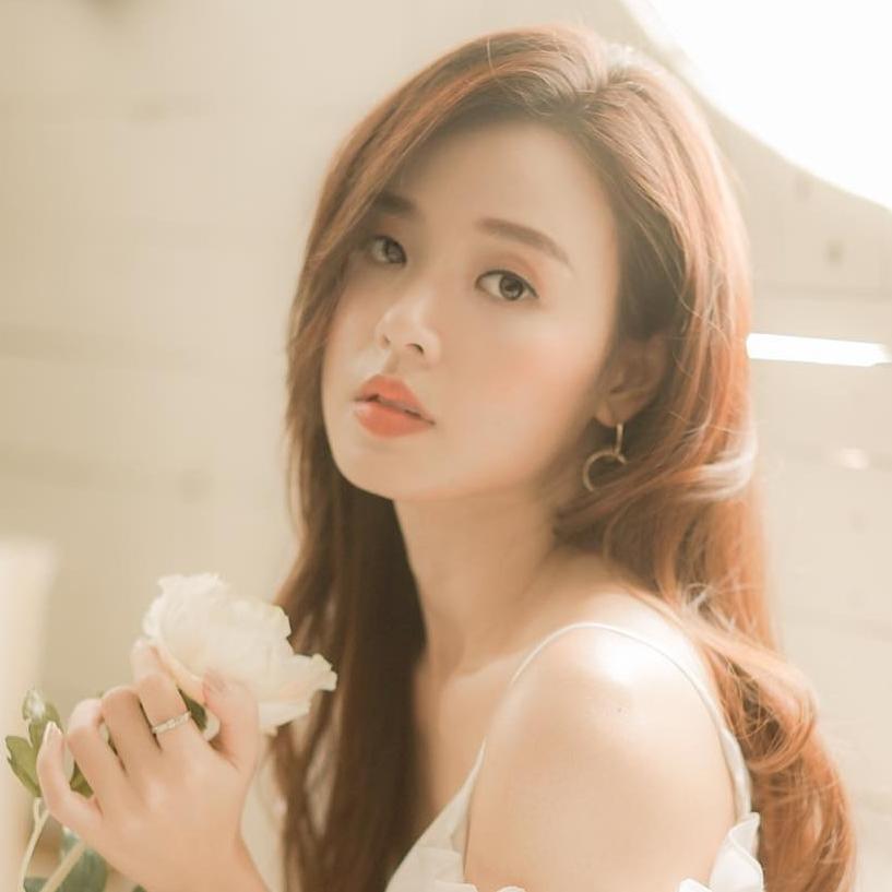 Midu khoe thần thái chuẩn hot girl trong ngày tình cũ Phan Thành đi lấy vợ-3