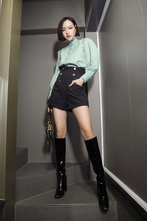 Diva Hồng Nhung lăng-xê mốt lộ nội y - HHen Niê cá tính với set đồ caro trendy-11
