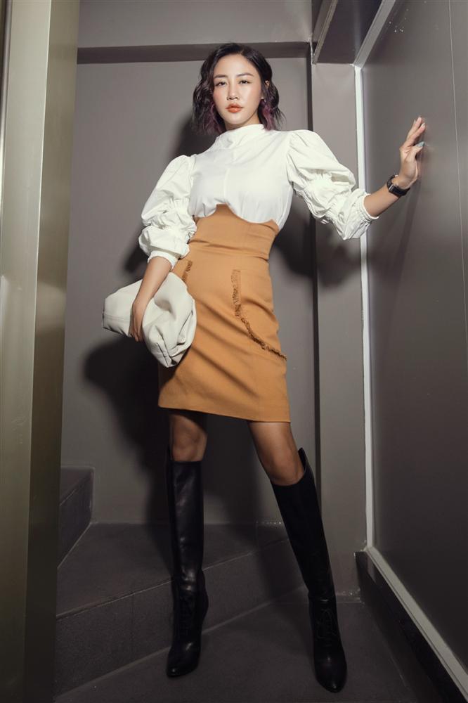 Diva Hồng Nhung lăng-xê mốt lộ nội y - HHen Niê cá tính với set đồ caro trendy-9