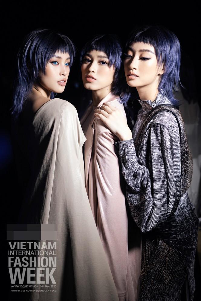 Đỗ Hà - Phạm Hương: 2 hoa hậu cằm chẻ hiếm hoi của showbiz Việt-3