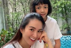 Vợ Bình Minh 'cứng họng' khi con gái hỏi tại sao không thi hoa hậu
