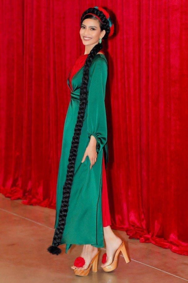 Muôn kiểu phụ kiện mix cùng áo dài Tết được sao Việt lăng xê nhiệt tình-7