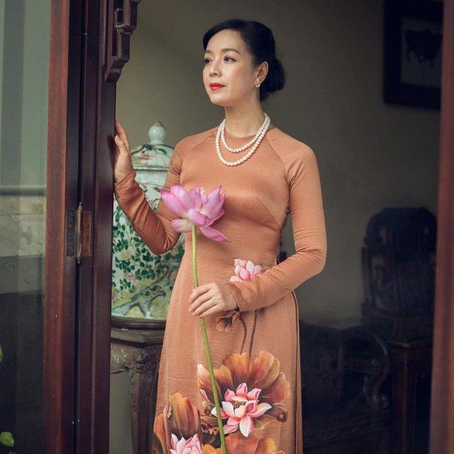 Muôn kiểu phụ kiện mix cùng áo dài Tết được sao Việt lăng xê nhiệt tình-12