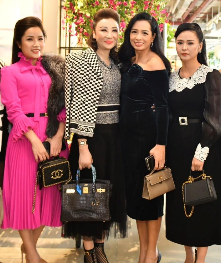 Doanh nhân Đỗ Hương Ly thanh lịch dự tiệc Năm mới của Phố Xinh-7