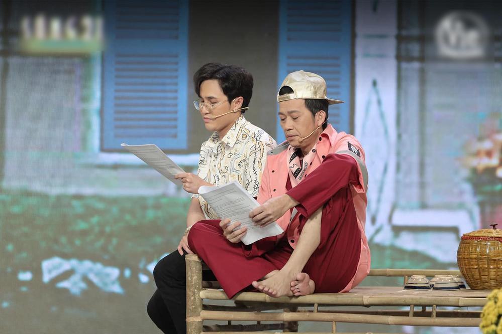 Hoài Linh nằm ngủ trên sàn khi tập kịch Tết phát sóng đêm giao thừa-4