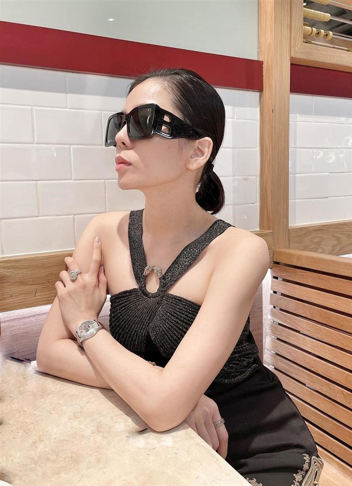 Hết bị soi đeo nhẫn đôi, Lệ Quyên còn gọi Lâm Bảo Châu là vợ chồng, tình nhân-2