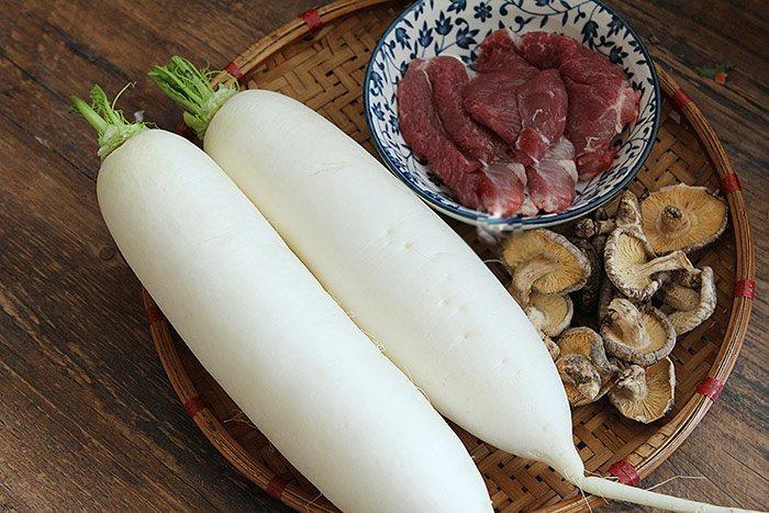 Vẫn là thịt và củ cải nhưng không kho nữa, đem nhồi thế này lại được món mới ngày Tết-1