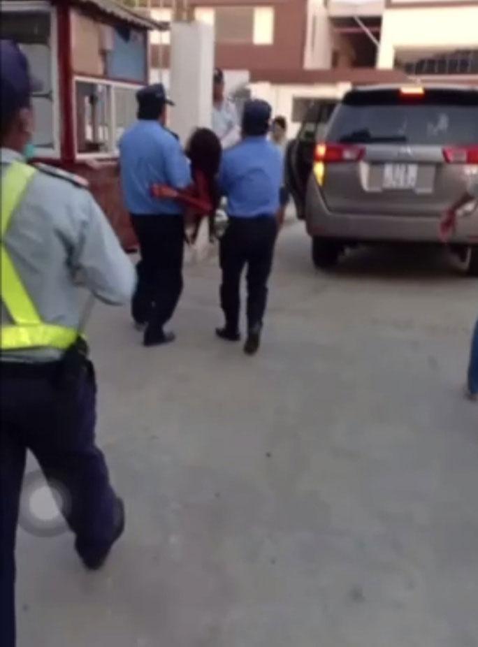 Clip: Sếp người Trung Quốc cắt cổ nhân viên nữ rồi tự sát nhưng bất thành-2