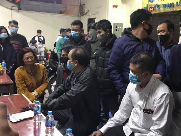 Vụ cháy 4 người tử vong ở Hà Nội: Người thân chết lặng tại nhà tang lễ-7