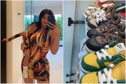 Nữ tỷ phú Kylie Jenner khoe BST giày hiệu của con gái: Mới tập đi đã có cả tủ, đếm sơ sơ tầm... 70 triệu?