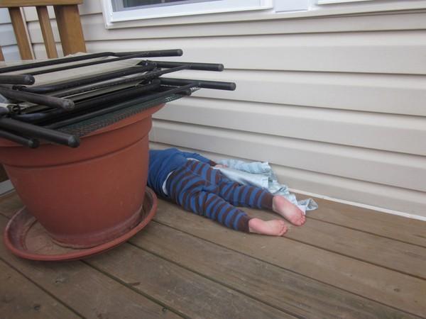 1001 kiểu ngủ đáng yêu của lũ trẻ khiến cha mẹ phải thốt lên: Chẳng bù cho lúc quậy phá-7