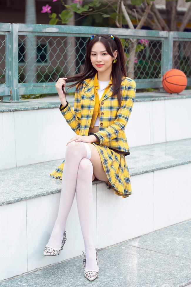Lê Bống mặc đồ nữ sinh đóng MV của Phí Phương Anh, chiêu trò gì nữa đây?-2