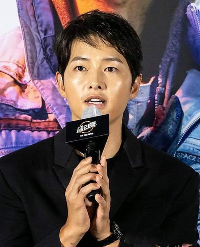 Song Joong Ki: Mỹ nam tuổi Sửu sự nghiệp chông chênh, ngoại hình xuống dốc kể từ khi ly hôn-7