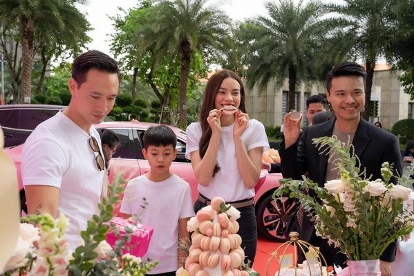 Sao Việt vung tiền tỷ sắm siêu xe trước thềm Tết Nguyên Đán-7