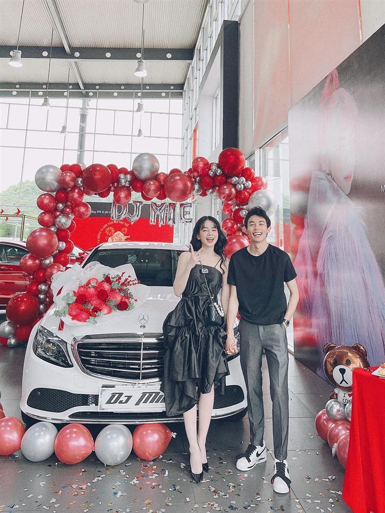 Sao Việt vung tiền tỷ sắm siêu xe trước thềm Tết Nguyên Đán-4