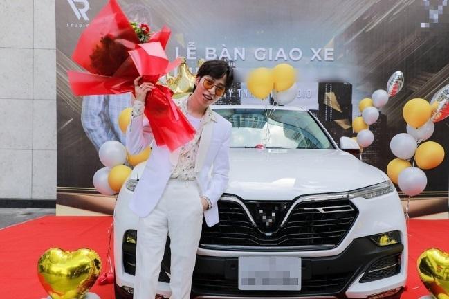 Sao Việt vung tiền tỷ sắm siêu xe trước thềm Tết Nguyên Đán-5