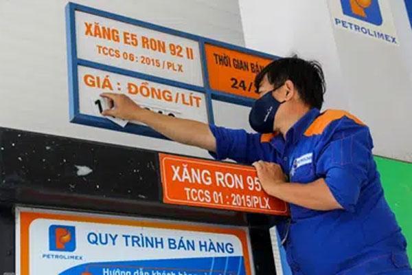 Giá xăng được giữ nguyên trước Tết Nguyên đán-1