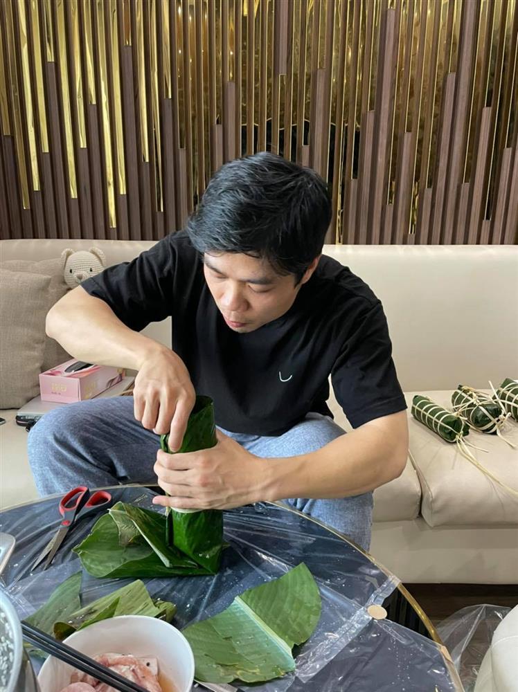 Công Phượng khoe ảnh chuẩn nhà giàu đón Tết ở Sài Gòn-1