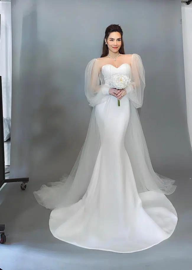 Hồ Ngọc Hà xinh đẹp diện váy cưới nhưng lộ khuyết điểm cơ thể quá rõ ràng-1