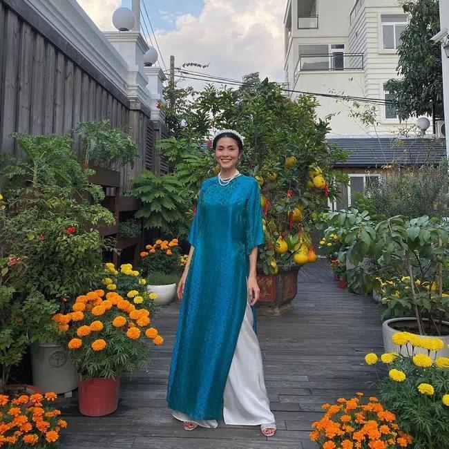 Mỗi năm diện áo dài Tết, Tăng Thanh Hà đều gây sốt mạng xã hội-1