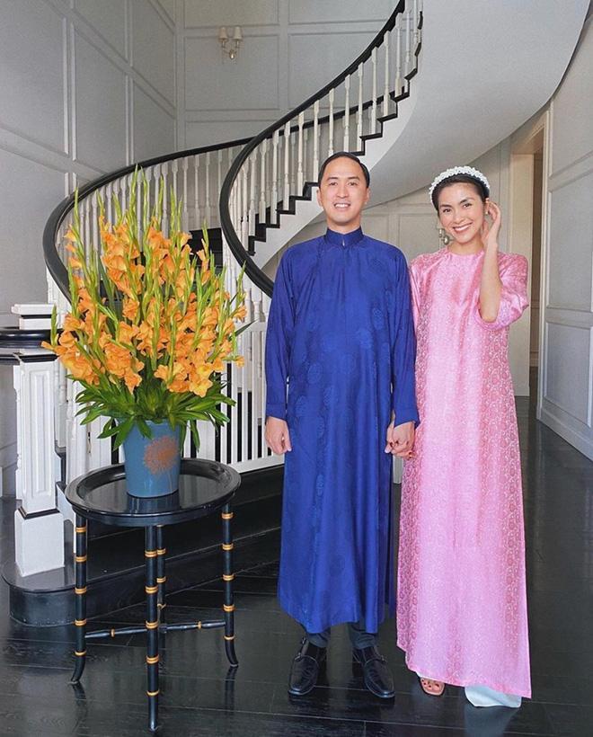 Không còn trung thành áo dài xanh, ông xã Hà Tăng đổi gió với sắc vàng rực rỡ-6