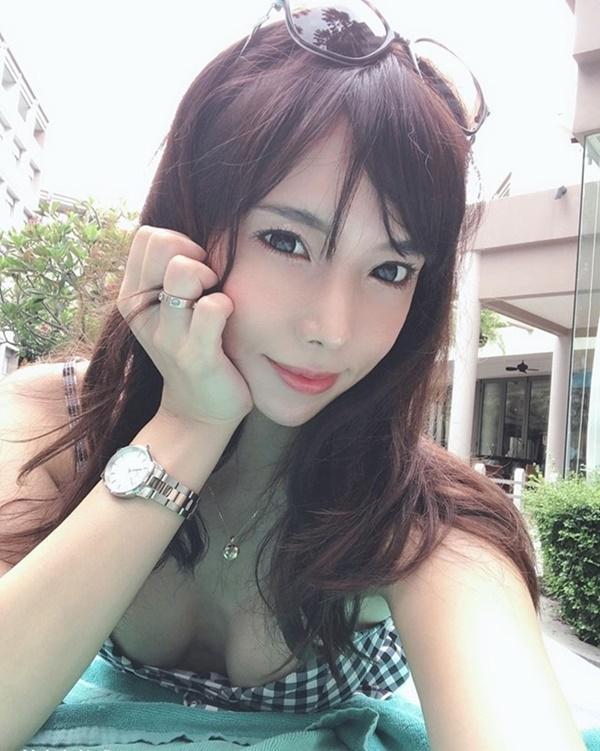 Cô đào đóng Phan Kim Liên lẳng lơ, sống ổn định nhờ công việc tại quán bar-6